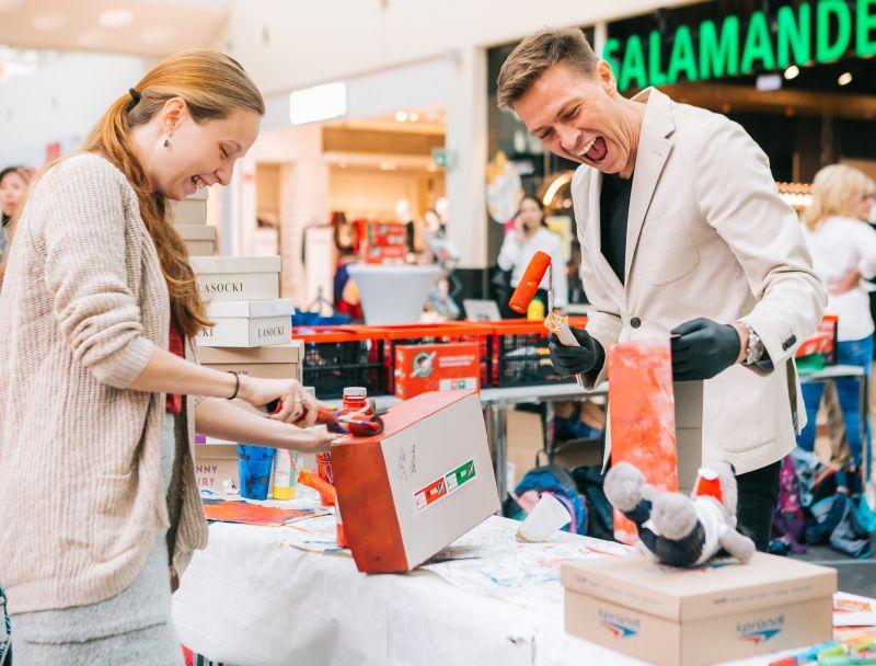 Christmas in a shoebox © Philipp Lipiarski / www.goodlifecrew.at